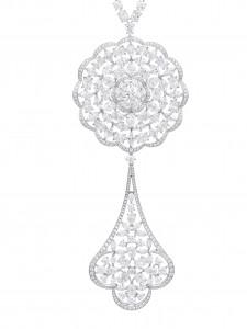haute_joaillerie_necklace_close_up_819702-1001