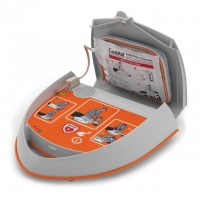 Defibrilator za laike - CardiAid AED - varnost na morju