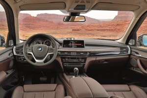 p90123451-the-new-bmw-x5-xdrive30d-design-pure-experience-exclusive-leather-nappa-mocha-05-2013-2247px