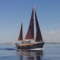 Motosailor FISHER 30, Za posebne ljubitelje morja, ČUDOVIT - ATRAKTIVEN, odlično ohranjen klasični a